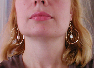 triple hoop hammered goldfilled wire earrings with square pearls