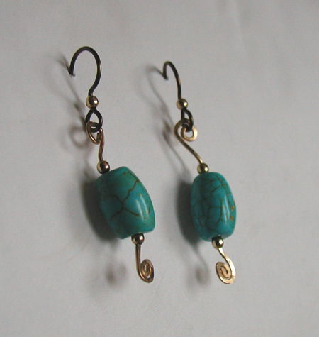 turquoise hammered goldfilled wire earrings