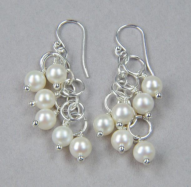 ava luxe pearl earrings